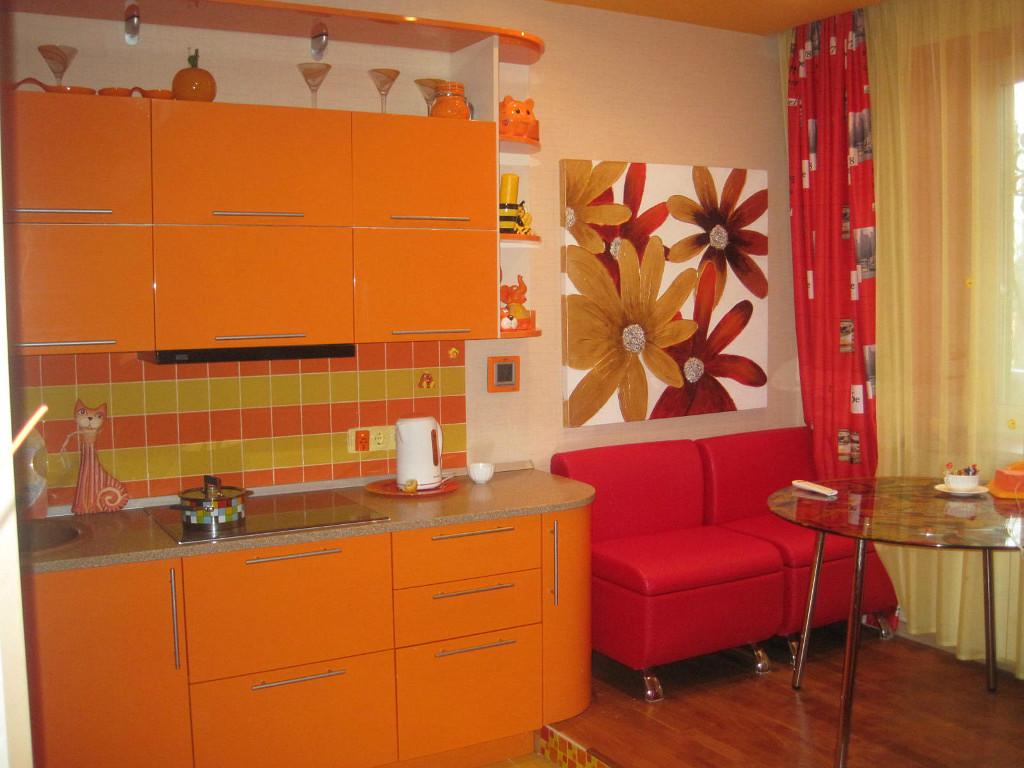 чем можно разбавить оранжевую кухню фото