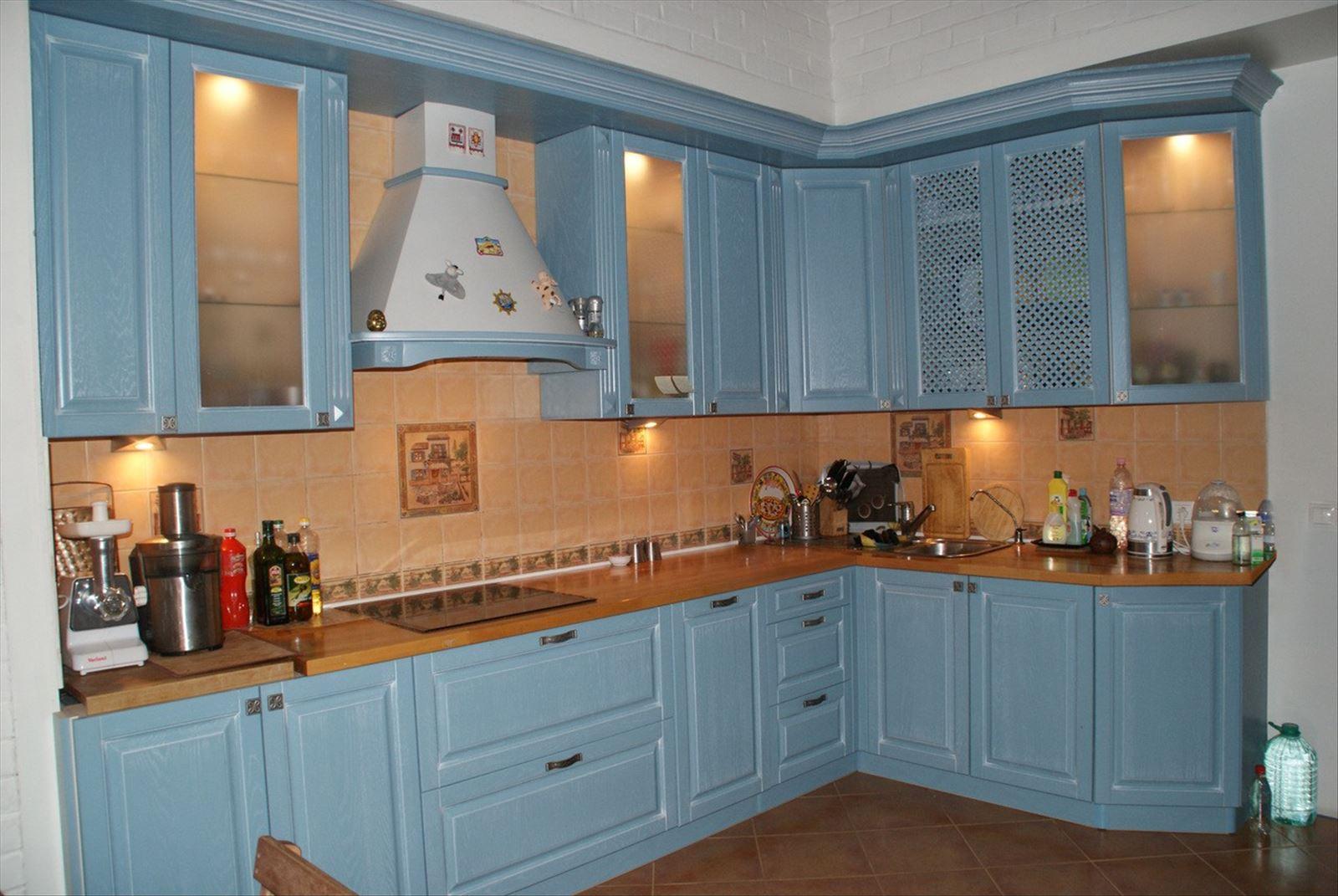 Шторы для кухни с синими цветами