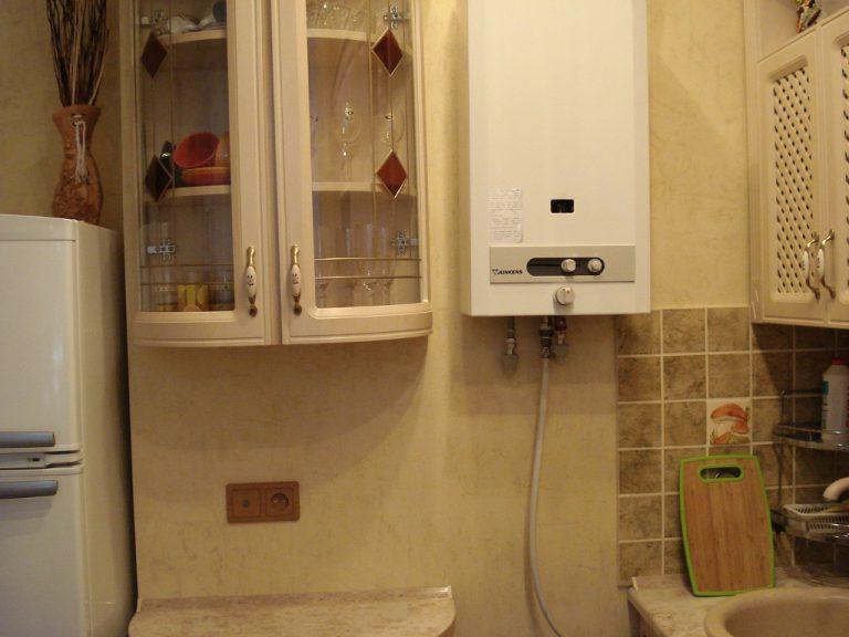 Ремонт кухни дизайн реальные с газовой колонкой