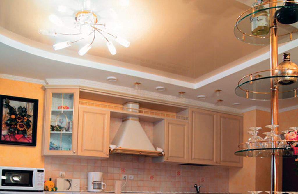 Дизайн потолков из гипсокартона и натяжных потолков для кухни